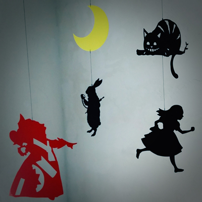 モビール「Wonderland」