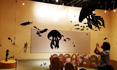 夜の水族館 モビール展示
